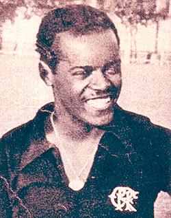 زندگینامه: لئونیداس داسیلوا (1913–2004)
