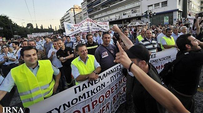 یونان در آستانه ورود به جهان سوم