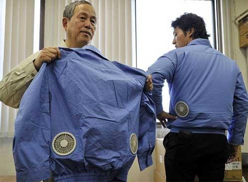 لباس مجهز به سیستم تهویه داخلی