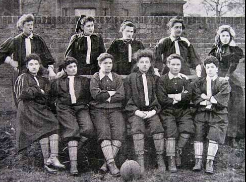 تاریخچه فوتبال زنان