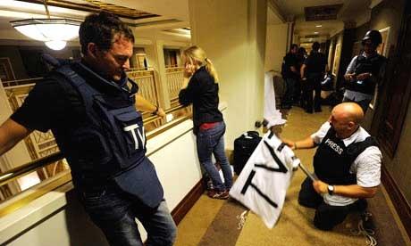 خبرنگاران در هتل رکسوس طرابلس گیر افتادهاند