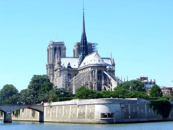 آشنایی با کلیسای نوتردام - فرانسه
