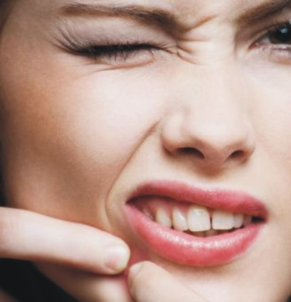 دستکاری جوشها موجب طولانی شدن دوره درمان میشود