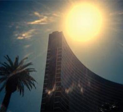 ساختمانهایی که در برابر خورشید ذوب میشوند
