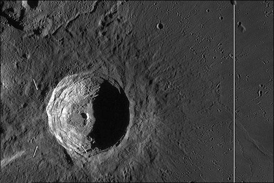 تصاویر یکی از درخشانترین حفرههای ماه