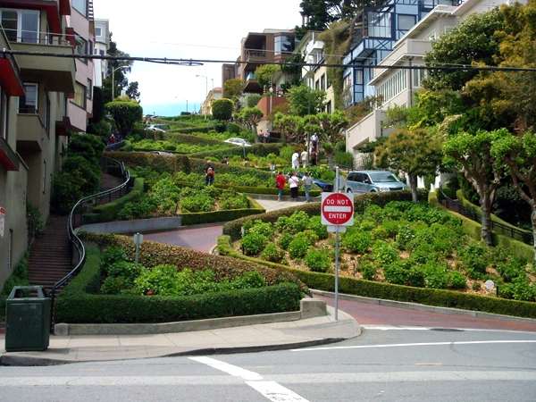 خیابان لمبارد (Lombard Street)