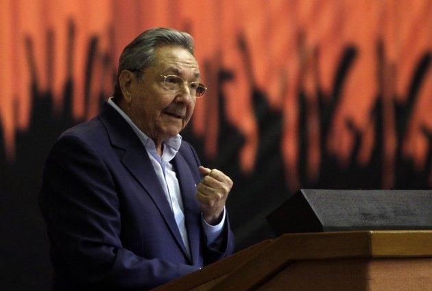 دفاع کاسترو از سیستم تک حزبی