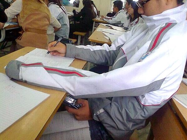 جدیدترین ابتکار تقلب در امتحانات!