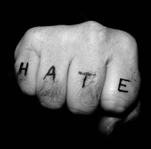از نظر مغز، افراد مورد تنفر آهستهتر حرکت میکنند