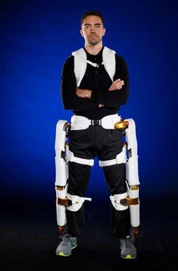 پوشش رباتیک فضانوردان