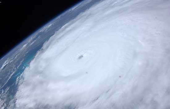 توفانهای فضایی در قاب تصویر
