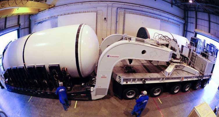 بزرگترین موشک سوخت جامد جهان