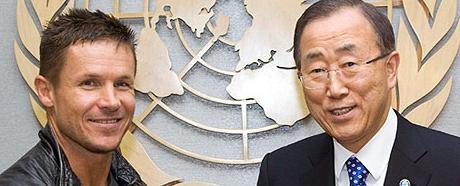 آموزش پرش از ارتفاع به دبیرکل سازمان ملل متحد