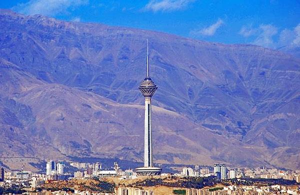 تصاویر زیبا از چهار فصل بلندترین آسمانخراش ایران