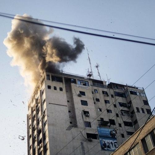 حمله جنگندههای رژیم صهیونیستی به دفاتر رسانهها در غزه