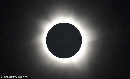 تصاویری از خورشیدگرفتگی کامل در استرالیا