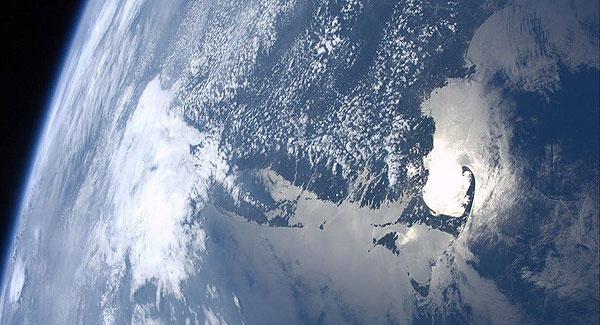 تصویری از زمین آرام