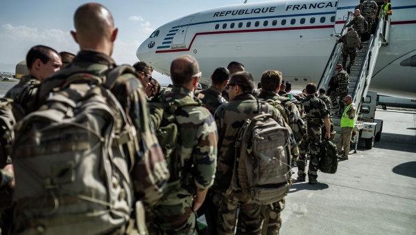 آخرین گروه از سربازان فرانسوی افغانستان را ترک کردند