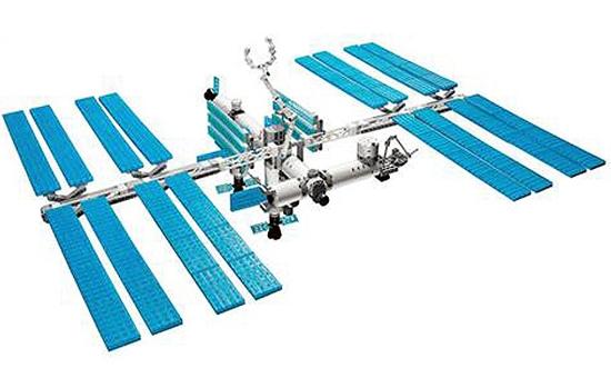 ایستگاه فضایی با لگو