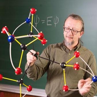 مولکول کشف شده، توسط دانش آموز 10 ساله