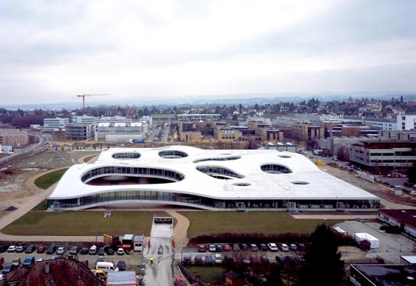 آشنایی با بنای یک مرکز آموزشی - سوئیس