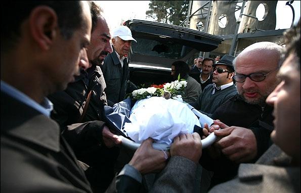 تصاویر مراسم تشییع و تدفین بزرگ بانوی ادبیات ایران