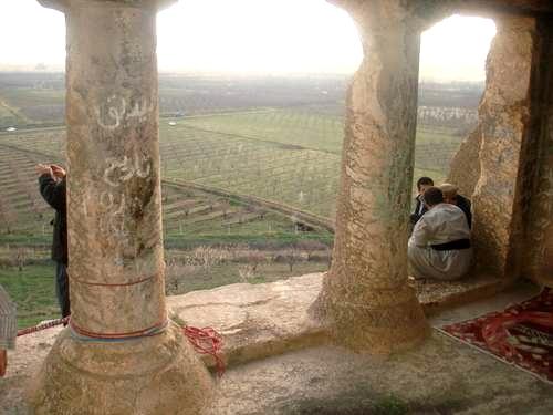آشنایی با دخمه سنگی فخریگا - آذربایجانغربی