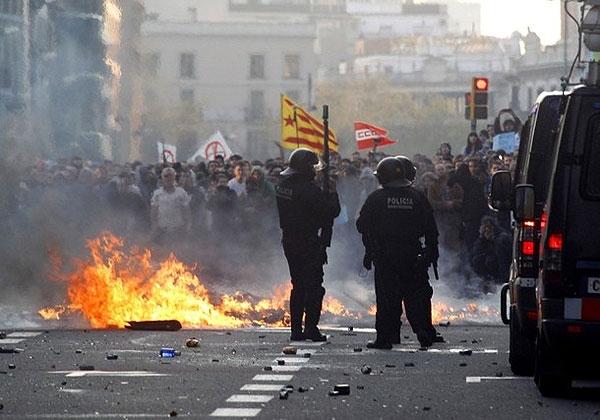 اعتصاب، تظاهرات و سرکوب در اسپانیا