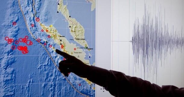 هشدار وقوع سونامی در اندونزی