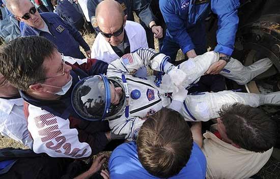 """""""فرود در مرکز هدف"""" فضانوردان"""