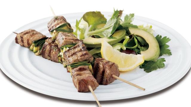 کباب گوشت گوساله و سبزیجات
