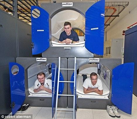 اتاقک فضایی برای اقامت در محل کار