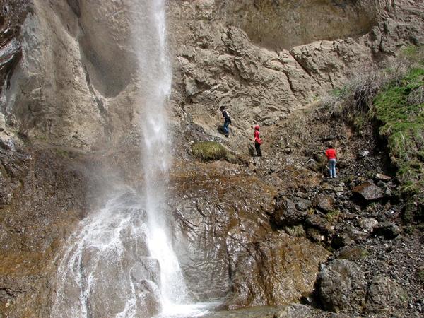 آشنایی با آبشار سنگان - تهران