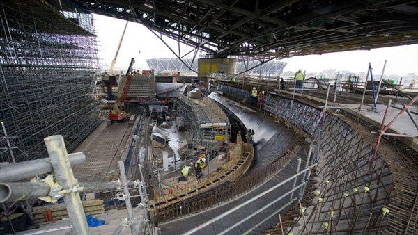 آشنایی با مرکز ورزشهای آبی دهکده المپیک لندن - بریتانیا