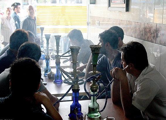 یک وعده قلیان برابر است با 100 نخ سیگار