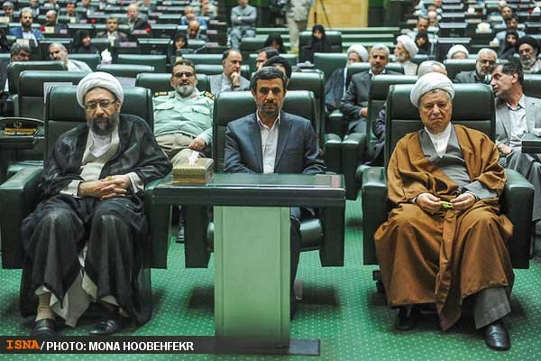 تصاویر منتخب از حاشیه و متن افتتاح مجلس نهم