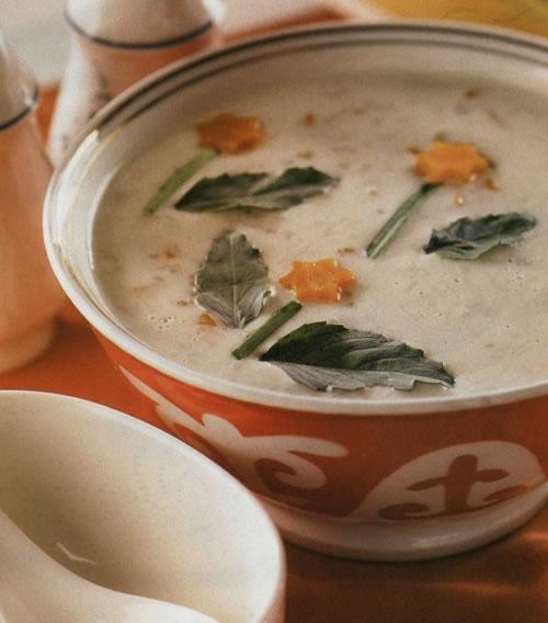 آشنایی با روش تهیه آش هویج و جو - غذای محلی استان همدان