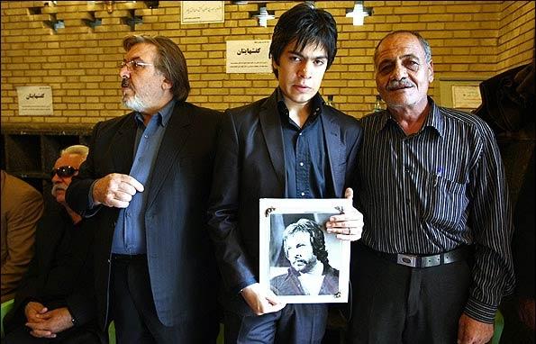 تصاویر مجلس ترحیم ایرج قادری و حضور فرزندش