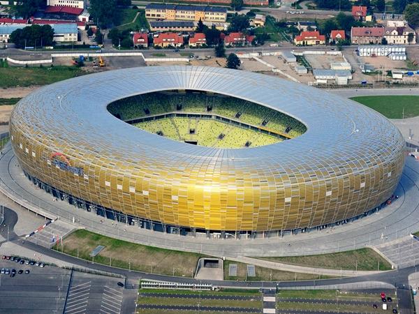 آشنایی با ورزشگاه پیجیای آرنا - لهستان