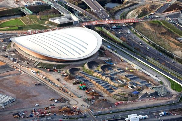 آشنایی با ورزشگاه ولوپارک لندن - بریتانیا