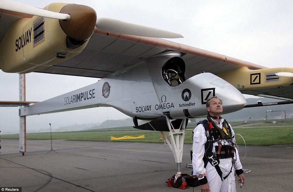 فرود هواپیمای خورشیدی در مادرید