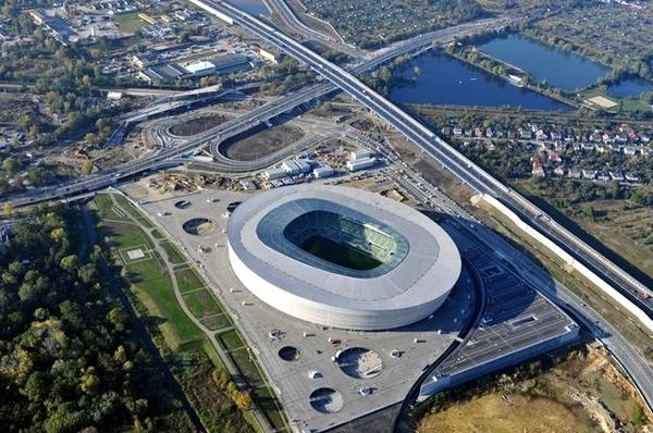 آشنایی با ورزشگاه میئجزسکی (وروتسلاو) - لهستان