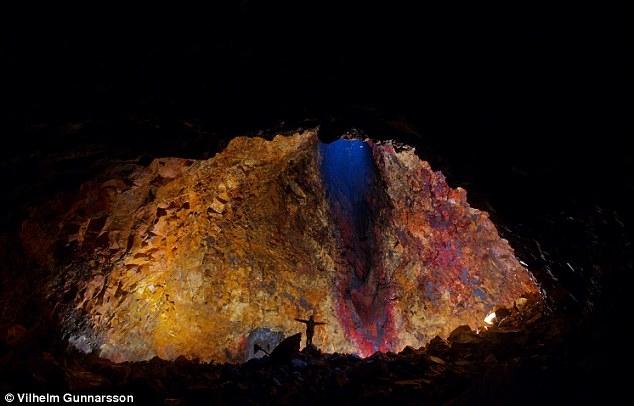 تصاویر سفر به اعماق آتشفشان؛ رویای «ژول ورن» به حقیقت پیوست