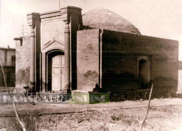تصویری از آرامگاه قدیمی ابو علی سینا