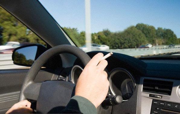 رانندگی سیگار