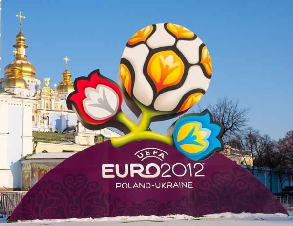 آشنایی با یورو 2012