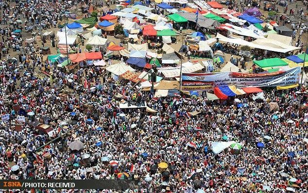 ادامه تظاهرات مصریها علیه افزایش اختیارات نظامیان