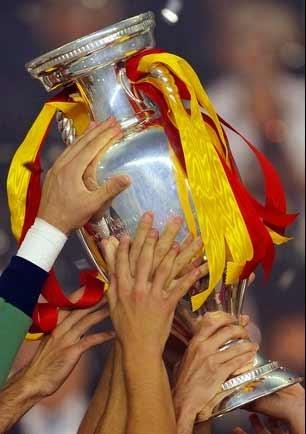 گلزنان برتر ادوار گذشته جامملتهای اروپا