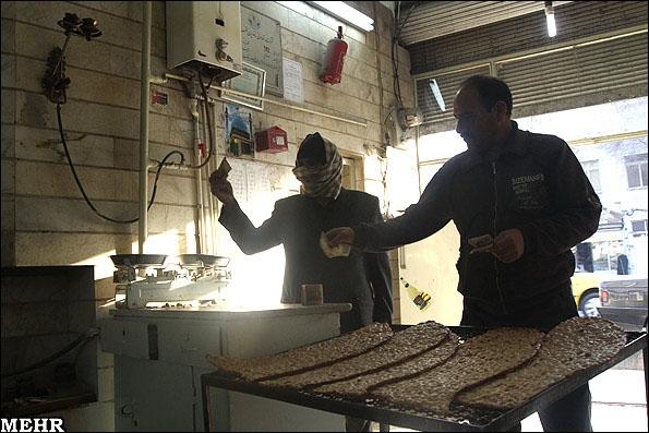 نان گران شد؛ نانوایان از دلایل گرانی میگویند