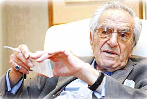 زندگینامه: غسان توینی (۱۹۲۶-۲۰۱۲)